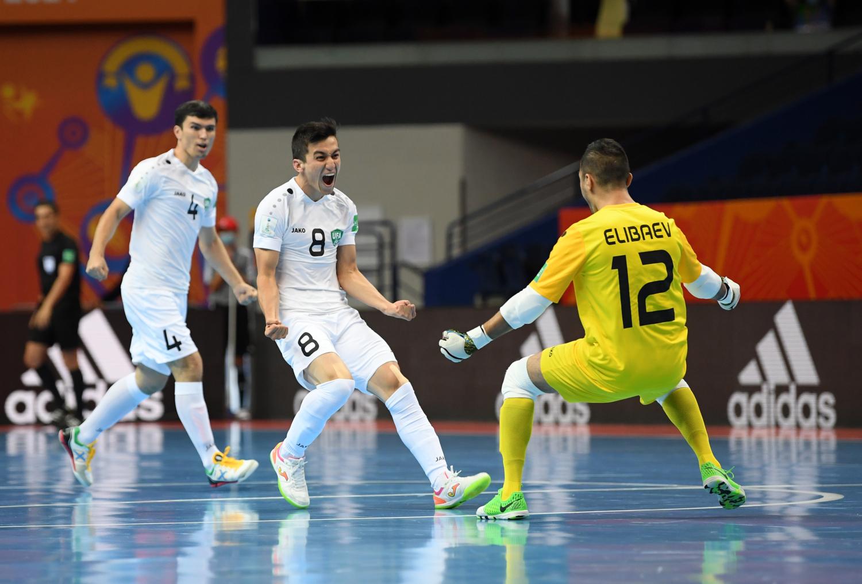 ウズベキスタンが初16強入り! 開催国リトアニアは全敗。|勝負を分けたトレンド「外側ボレー」動画&解説|W杯7日目